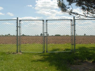 Chicago IL Chain Link Fence Installation | Install a Chain Link Fence
